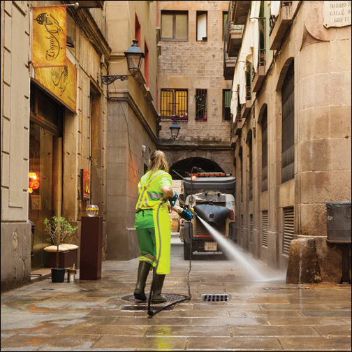 Image of a street cleaner in Barcelona